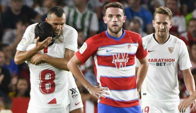 Resbalón en casa del Granada frente al Sevilla en el segundo partido de Liga